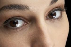 We all hate those under eye wrinkles
